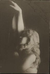 Vintage mirror woman