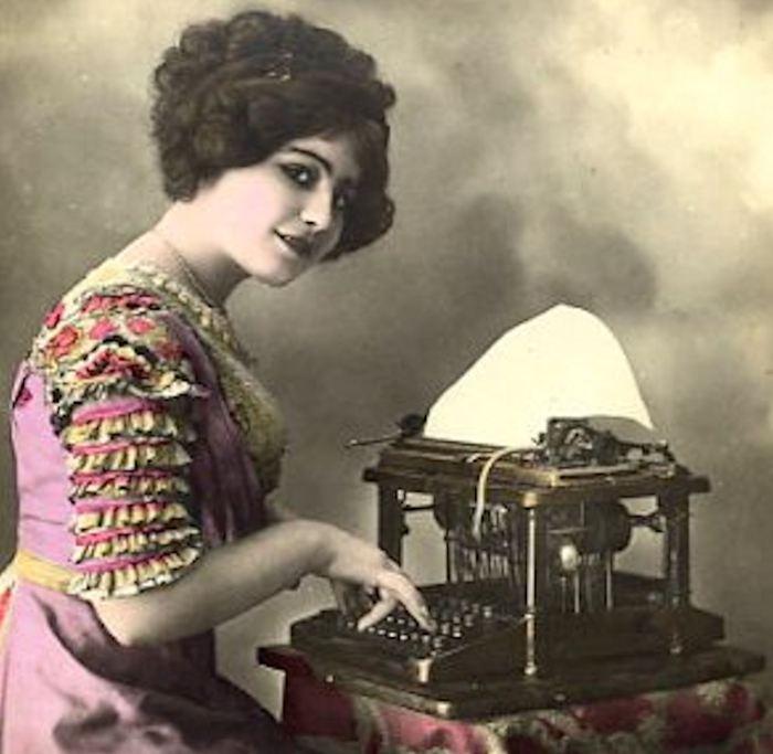 woman-typist-at-typewriter