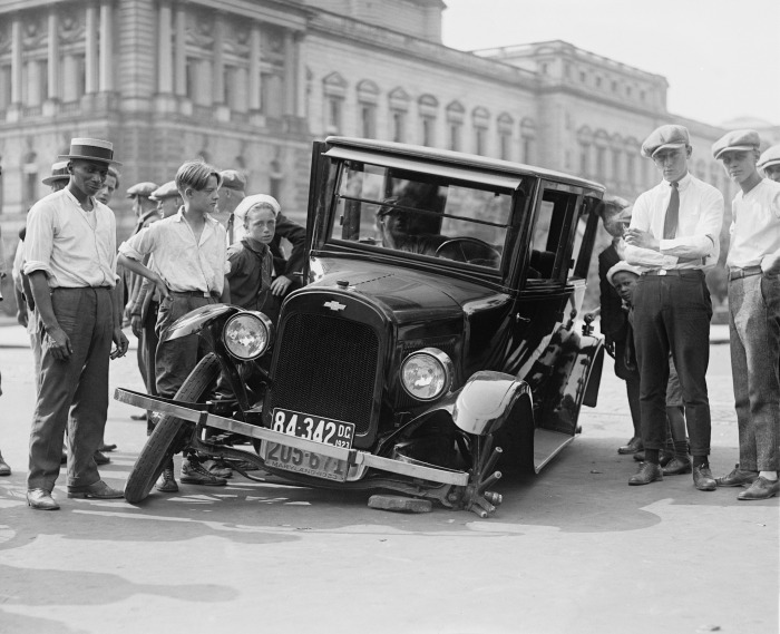 Car wreck, ca 1920