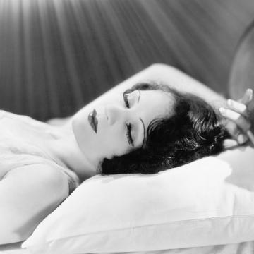 woman-sleeping-thumb