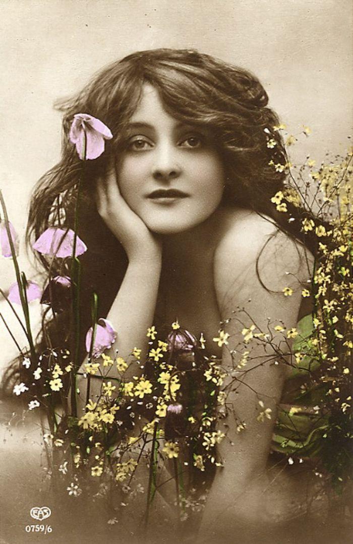 Vintage woman-flowers